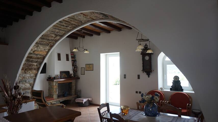 Traditional house in Naxos heart 15min from sea