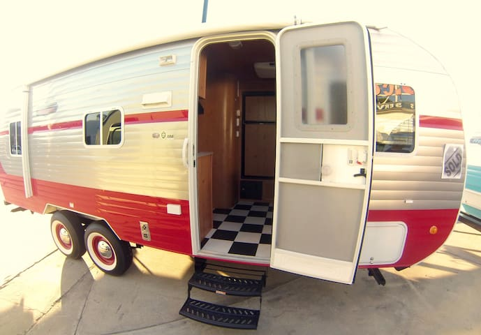 2016 Retro RV Trailer