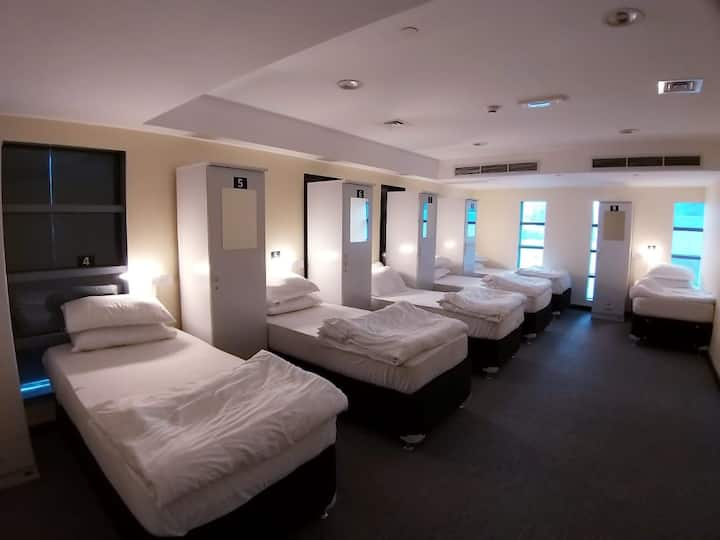 Travelers Stay Hostel, Prime Location , Near Metro
