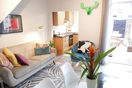 Stylish 3 bed near city:2 day buffer between stays