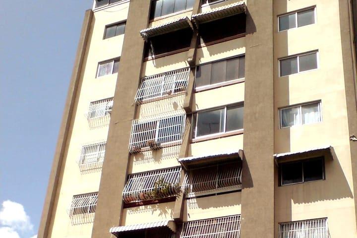 Apartamento Plaza Venezuela, hermoso y tranquilo.