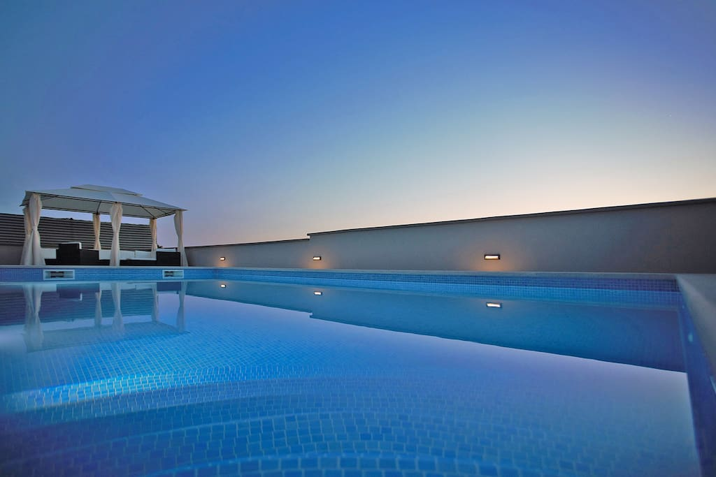 pool by evening