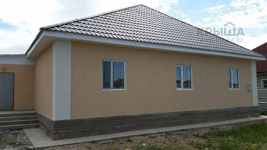 Detached house in Almaty suburb - Алматы - Dom