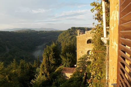 Bright, family friendly central pad - Pitigliano