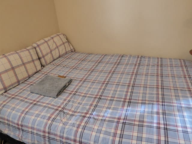 Private Big Room In Flat Fully Furnished Rose Bay