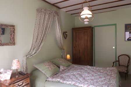 Jolie chambre en Touraine - Sainte-Maure-de-Touraine - Aamiaismajoitus