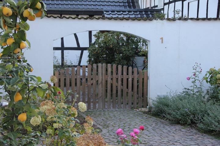 Neu renovierte Wohnung im Bauernhof - Hennef (Sieg) - อพาร์ทเมนท์