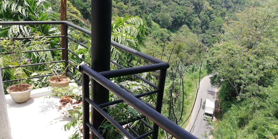 Ella Rawana Cave Villa