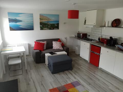 Pier Rd Cottage  apartment by Croagh Patrick