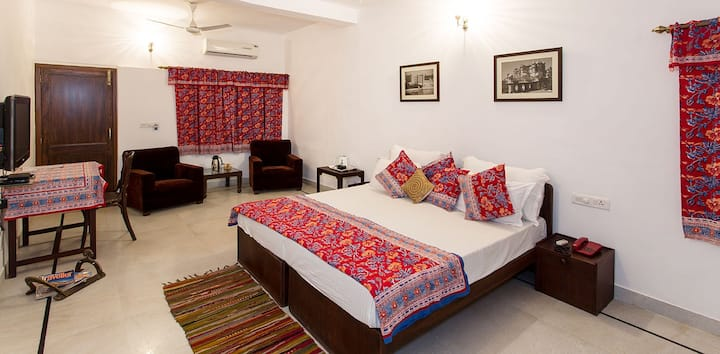 Khudala House 4 at Fateh Sagar Lake !