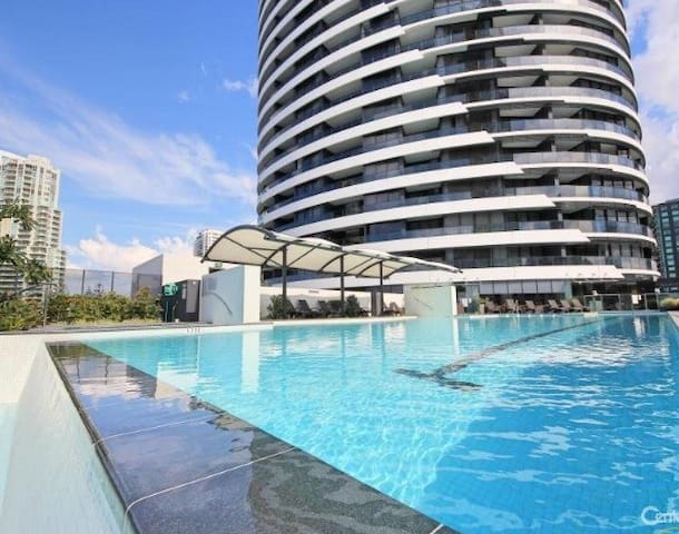 2 Bedroom Ocean View Apartment in Broadbeach - Broadbeach - Huoneisto