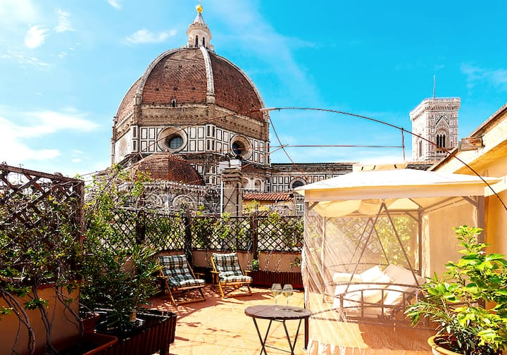 Baroque XVI cent Apartment under Dome with Terrace