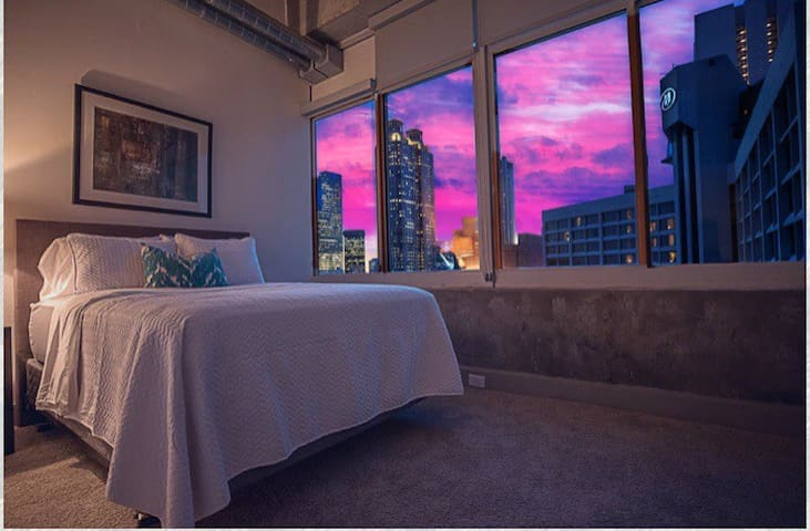 Beautiful downtown Atlanta penthouse loft!