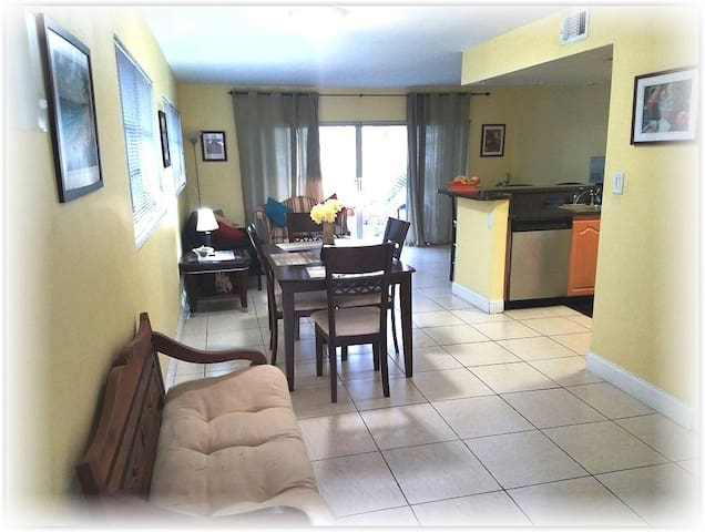 Miami Dadeland Spacious Condo By Dadeland Mall