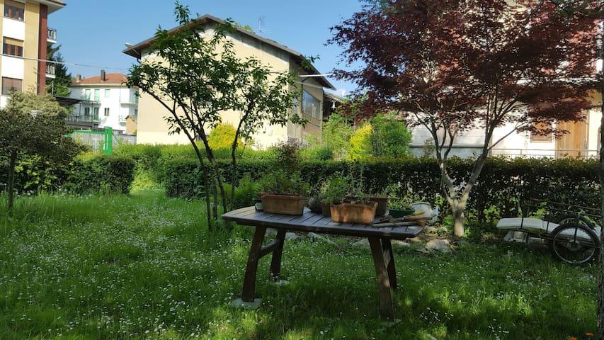Offerta speciale Monolocale  in Villa con giardino