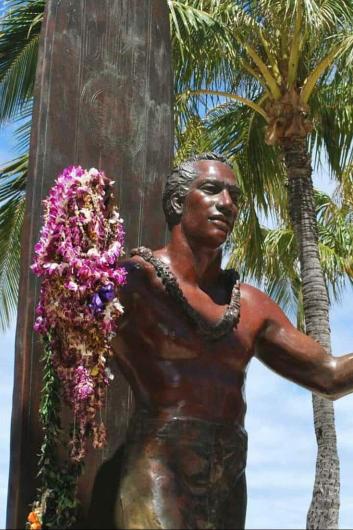Oahu;s hero Duke