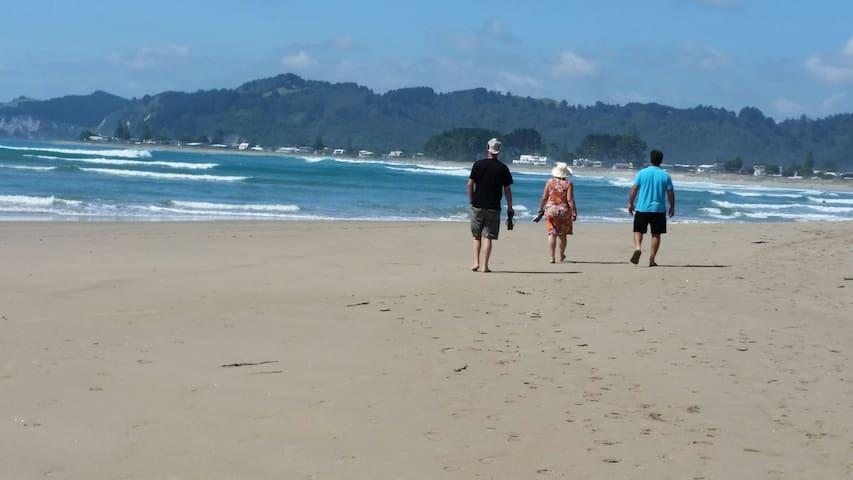 'Leighton's at Whangamata'