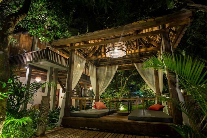 ISANN LODGE - Unique Khmer Villa