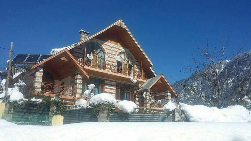 5BR PREMIUM VILLA|KITCHEN|MANALI|FIREPLACE|WIFI