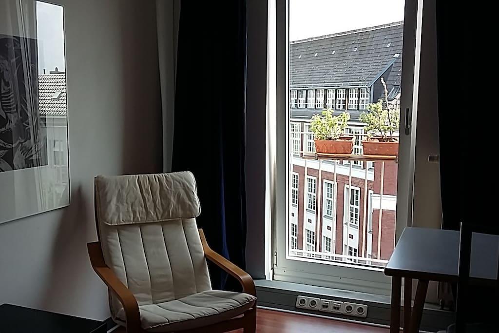 Gästezimmer mit kleinem Balkon/ guestroom with little balcony