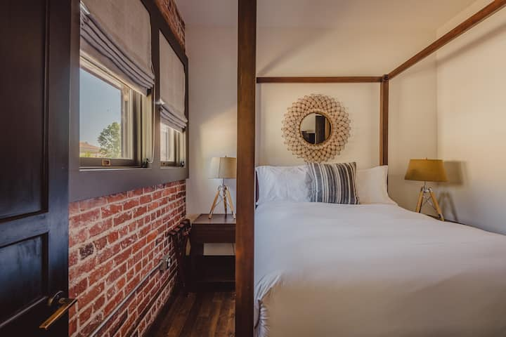 Slo Brew Lofts - 3 Bedroom 'The Voyager Loft' | Rooftop Patio