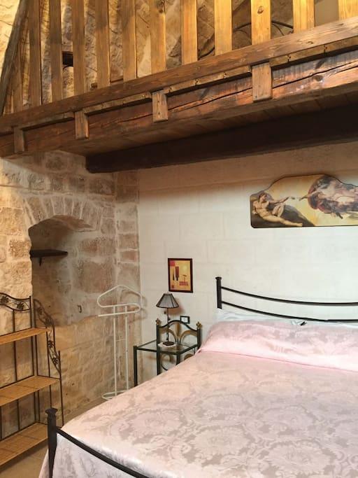 Camera quadrupla composta da letto matrimoniale e 2 letti singoli con bagno privato