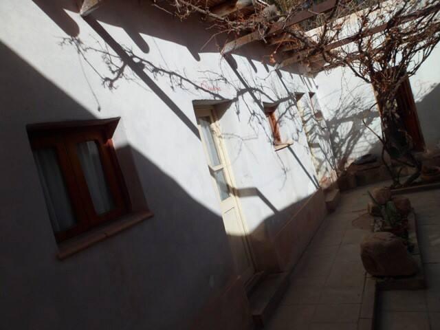 Hostel Posada las Piedras (h 2 priv.  bañ.  comp.)
