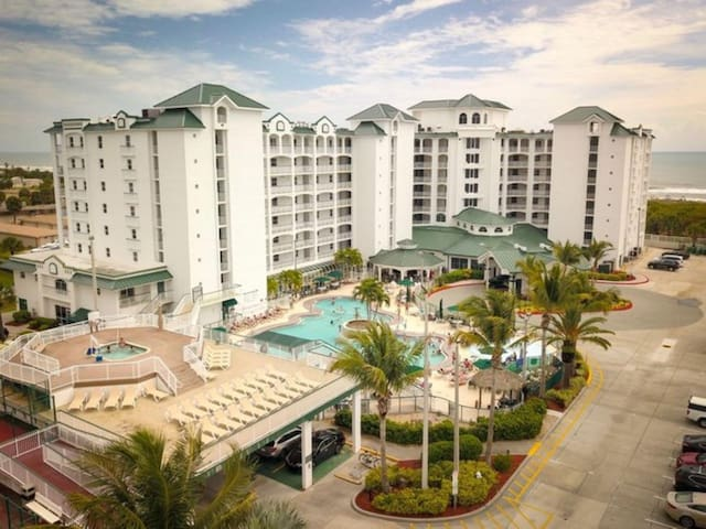 Two Bedroom Ocean Front Luxury Condo, Cocoa Beach (A604)