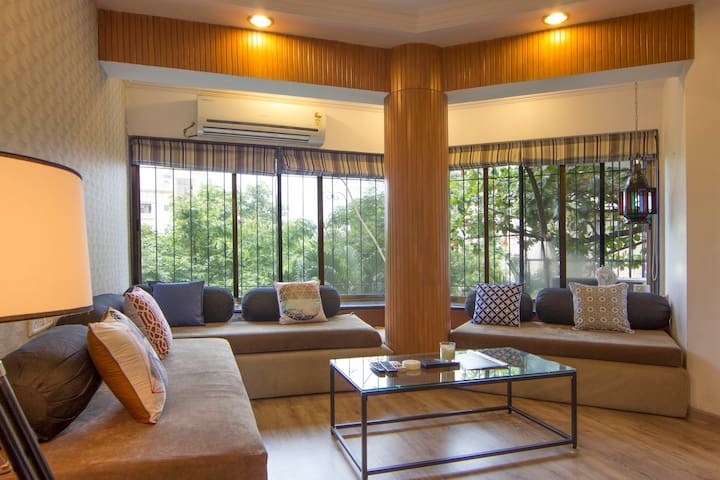 Charming Studio Apt in Bandra - Mumbai