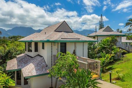 Hawaiian-style Oceanfront Villa - Outrageous Views