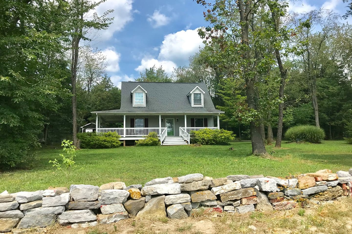 Tucked back off the road with plenty of room for outdoor enjoyment.  Easy access to town and interstate 81. Always clean and ready for our next guests!