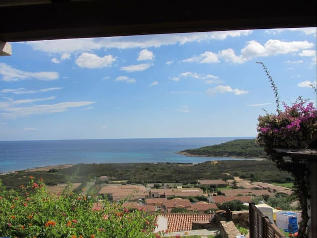 Villetta vista mare 400 mt spiaggia - San Teodoro - Apartamento