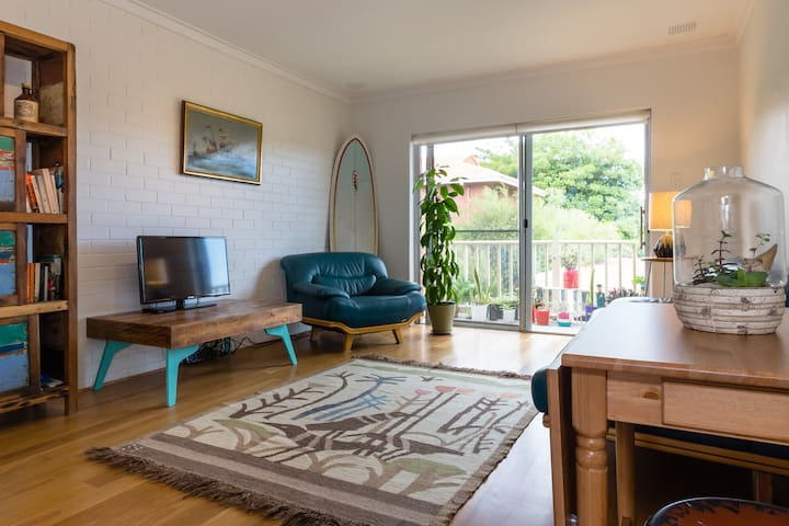 St Leonard's Home Stay - Mosman Park - Apartment