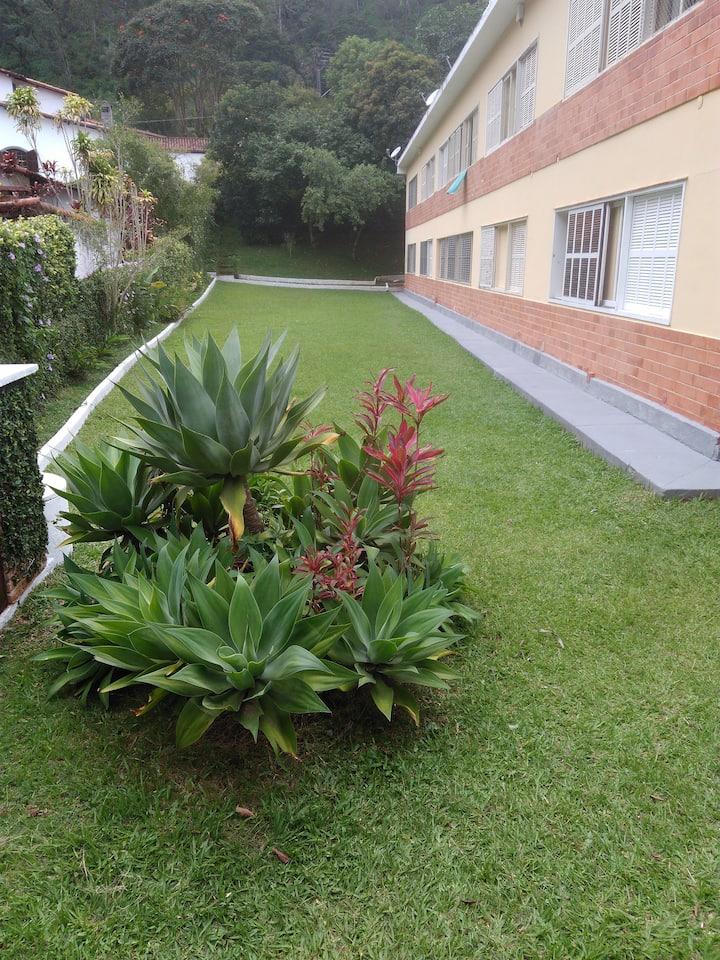 Quitinete em Petrópolis - Itaipava. Nogueira