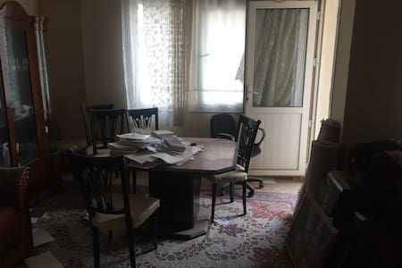 Near the Ege unv and bus,metro sta - Bornova - Appartement