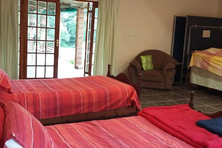 Honeybunch Lodge - Country Home - Hillcrest - Hus