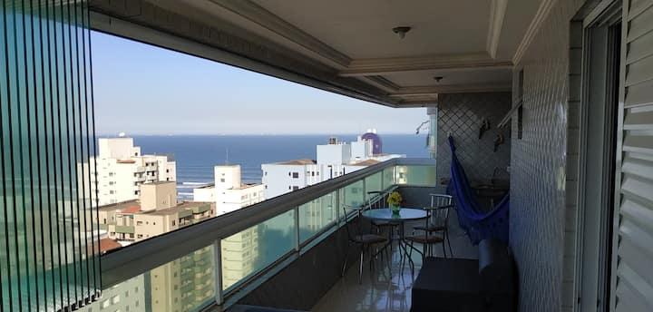 Vista para o mar impressionante, piscina e sacada
