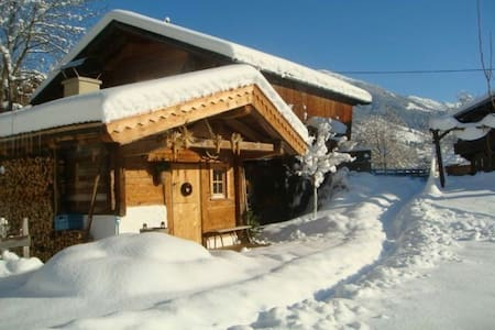 Hüttenappartement mit Saunaalm - Alpbach - Kabin