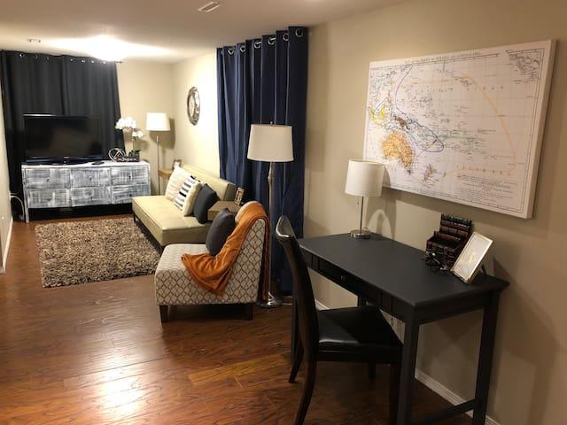 Eastside Gem - 2 Bedroom Comfy Basement Suite