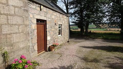 1 bedroom apartment, Kinellar, near Aberdeen
