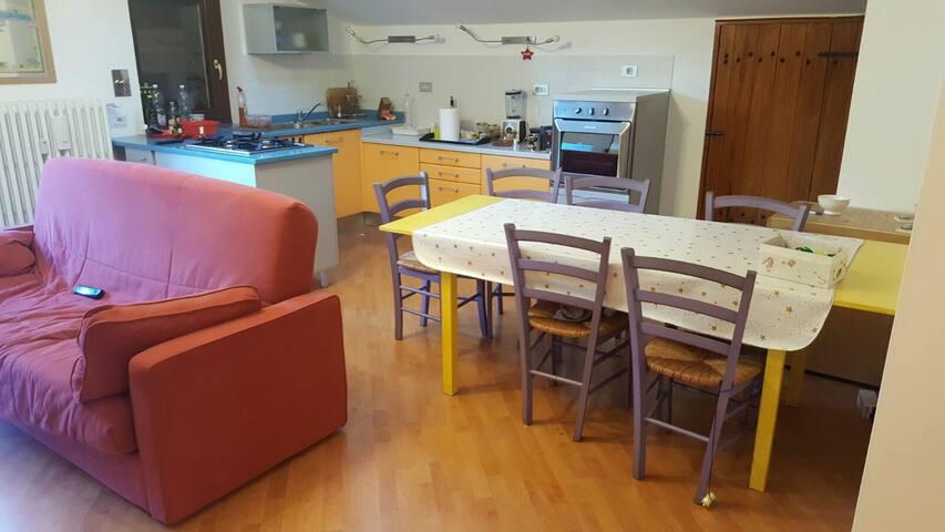 Appartamento in piccolo paese di montagna - Puys - Lägenhet