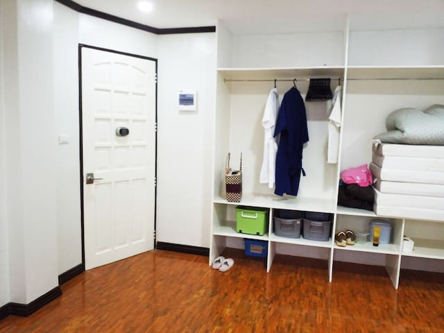 HUGE 1 BDR 1 Bath , Boundary Cebu/Talamban/Mandaue