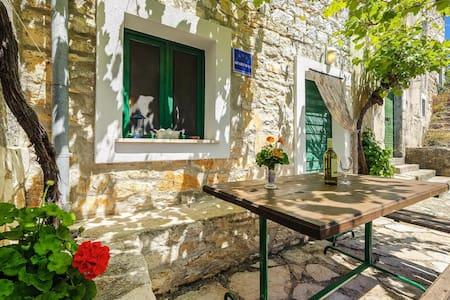 Holiday house, Villa Duje Zirje (Island Zirje), Riviera Sibenik - Žirje - Villa