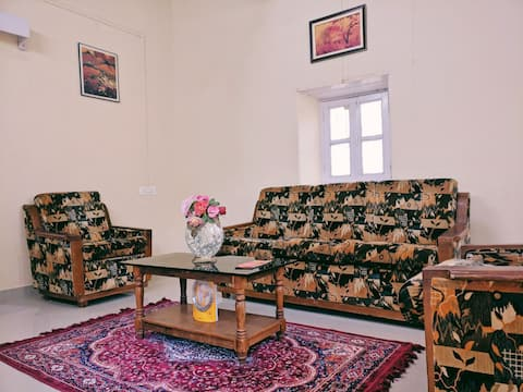 Vintage Bungalow Getaway in the Heart of Belgaum