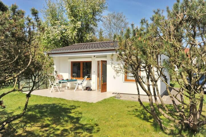Ostsee-Ferienhaus im Grünen - Ribnitz-Damgarten - Huis