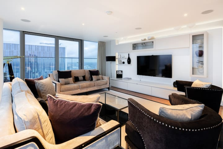 Luxurious 3 Bed Canary Wharf Apartment London