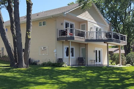 Family Friendly Lakefront Home - Buffalo - Hus