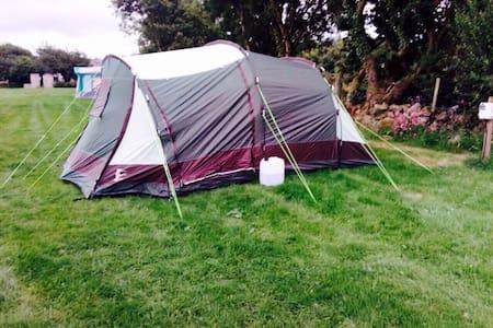 PRE-ERECTED 5 MAN CAMPING TENT - Groeslon - Tenda de campanya