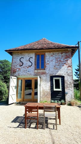 Very unique self-contained 1bed Dovecote barn stay