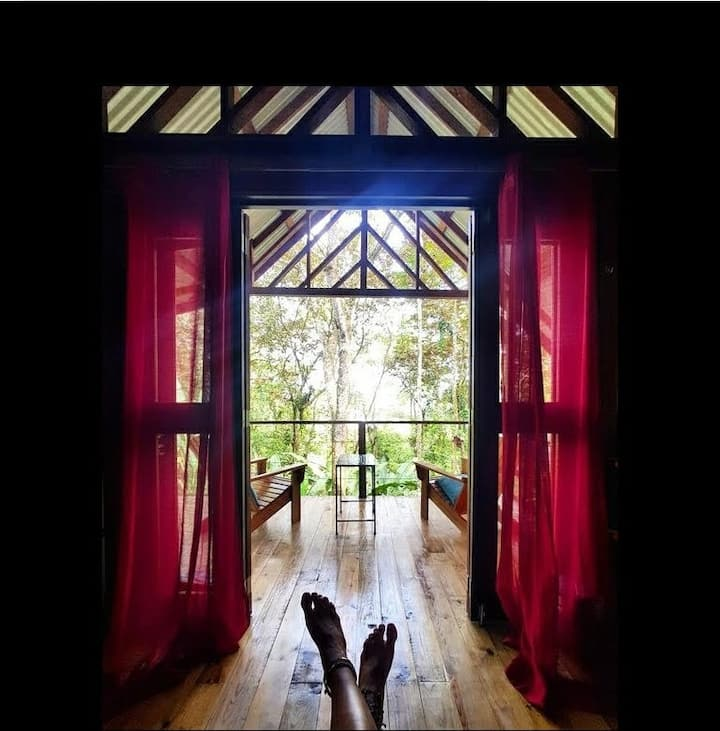 Romantic Private Cabin Steps from Bocas' Best Surf